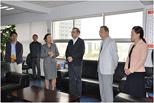 云南省公共资源交易管理局副局长周玲介绍省药品集中采购工作情况。