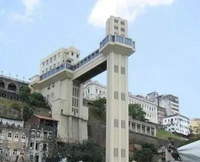 巴西——拉希尔达电梯:这部电梯每月输送大约90万游客,收费为每人2美分,用时大约30秒。