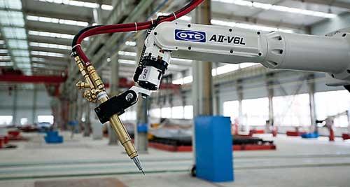 东莞:机器手臂取代汗水车间