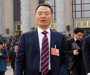 全国政协委员、传化集团董事长徐冠巨