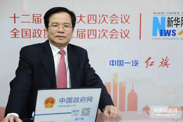 2016年3月8日15时,财政部办公厅主任、新闻发言人欧文汉做客中国政府网,就2016年预算报告有关情况与网友在线交流。