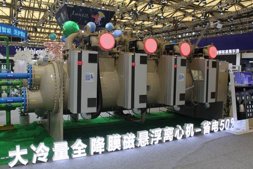 """一年一度备受关注的AWE家博会在上海如期举行,海尔""""全明星""""阵容的全系空调产品亮相。"""