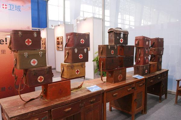 2016年3月28日至31日,第37届中国(广州)家博会第二期办公环境展举办。不少国内知名医用家具企业参展。