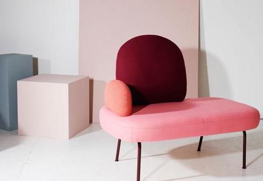 这款红沙发,挪威设计师的最新力作。