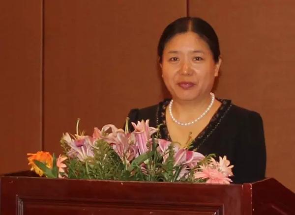 龙8国际信息网总裁、龙8国际信息报社社长 刘亚利