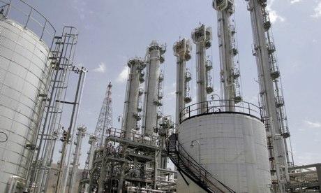 伊朗副外长阿巴斯·阿拉格希24日晚说,在美国成为伊朗重水的首个买家后,包括俄罗斯在内的其他国家也对从伊朗购买重水表现出兴趣。伊朗法尔斯新闻社援引阿拉格希的话说,伊方正与俄方就向后者出售大约40吨重水展开接触。