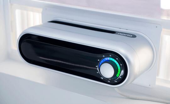 便携式空调弧型设计的银白色机身,出风口在顶部,右侧有圆型调节钮,不同颜色表示不同温度,灯光柔和不刺眼,科技感十足。