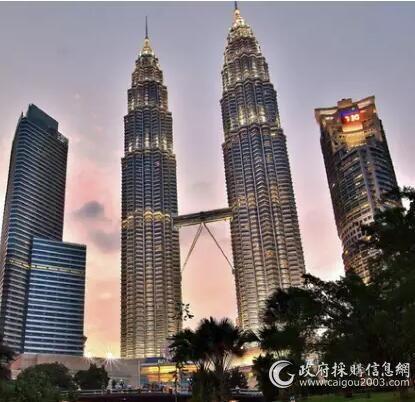吉隆坡双子塔空调品牌约克:高1476英尺,总冷量30,000冷吨...