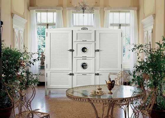 9. Cambusa冰箱(4.1万美元)    乍一看,来自Meneghini Arredamenti的Cambusa就像是一件价格不菲的家具。
