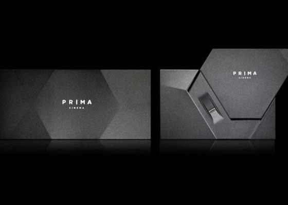 28. Prima Cinema System电影系统(3.5万美元)    如果想要像亿万富豪那样打造体验超一流的家居影院室,那你首先要有一些高品质的电影--质量跟公共电影院播放的电影相当。而这正是Prima Cinema System电影系统的卖点所在--唯有通过该1080/24p家庭影院播放器,你才能舒舒服服地在自己的家里看最新的电影。当然,要获得这种特别的享受并不便宜:你需要购置3.5万美元(约合22.95万人民币)的播放器,另外每看一部电影要付费500美元(约合3278元人民币)。(皓慧)