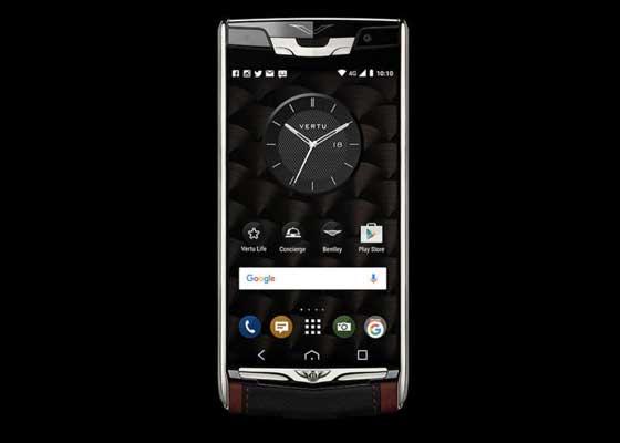 "3. Vertu Signature Touch宾利版手机(1.4万美元)    苹果iPhone虽然价格高昂,但它还远没有Vertu的这一款宾利版Signature Touch定制Android手机奢华。该手机拥有出色的配置--搭载5.1""棒棒糖""系统、支持4K视频拍摄的2100万像素摄像头和5.2英寸蓝宝石屏幕。不过,它其实贵在外部装饰和额外功能服务上。加上红黑色的宾利皮革,圆滑的钛合金设计,侧边按钮经过滚花处理,18个月的私人助理服务以及""个人生活管家"",该手机的价格蹿升到1.4万美元(约合9.18万人民币)。"