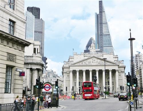 不确定性压制经济增长 英国政府救助实体经济