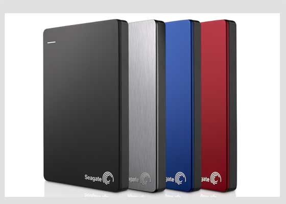 Seagate Backup Plus Slim硬盘驱动器    虽然硬盘驱动器并不属于学生返校的必备装备,但它们相当实用,你可用它们备份数据和文档,以防笔记本电脑崩溃等。Backup Plus Slim是硬盘驱动器就非常不错,它的结构紧凑,拥有丰富的功能和四种不同的颜色与饰面可供选择。