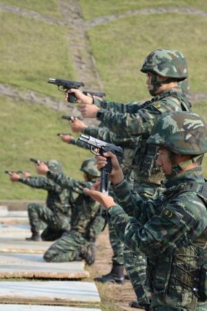 高清:揭秘武警特战队员选拔考核