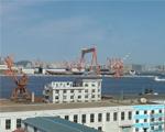正在建造的航母全景图。