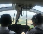 AC311A型直升机舱内。