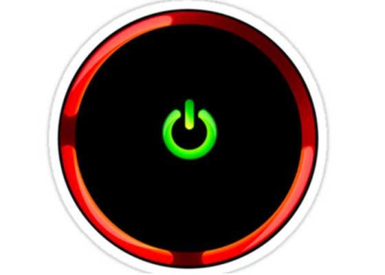 """初代Xbox 360和它的""""3红现象""""    """"3红现象""""指的是Xbox的3个警告红灯同时亮起,这主要是因为XBOX360的散热功能做的不是很好的缘故导致的,而这问题会进而导致游戏过程中CPU和GPU的温度太高,致使其与主板间的脱焊,一旦三红,就意味着游戏机报废。而这一问题也最终让微软将初代Xbox 360的保修期延长至了3年,这也造成了超过10亿美元的维修支出。"""