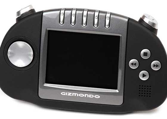 Gizmondo(2005)    Gizmondo是一款发布于2005的内置GPS定位器的便携式游戏机。遗憾的是,它的销量太不尽如人意了。Gizmondo发布后只过了短短的一年,开发它的这家公司就因为在产品的营销和开发上投入了数百万美金,却依旧未能盈利而宣布破产了。