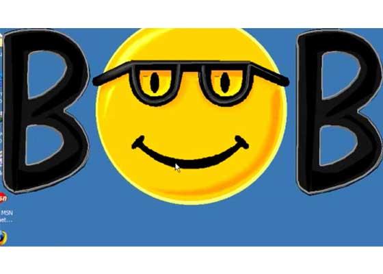"Windows界面Microsoft Bob(1995)    Microsoft Bob是一款非常用户友好型的Windows界面,但它在发布后只挣扎了1年多,就沦为了微软最失败的一件产品。这是为什么,就像比尔·盖茨写道的那样:""很不幸,Microsoft Bob这款软件需要性能更为强大的硬件支持,但当时的计算机硬件并不能达到这一点。除此以外,它也不具备一个足够大的市场,所以Bob最后还是死了。"""