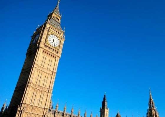 英国政府:秘密无人机    在英国国防部和其他政府机关,无人机是需要严格保守的秘密。过去,英国遥控飞机系统 (RPAS)跨政府工作组拒绝透露其有关无人机的政策,现在根据《信息自由法案》规则,该机构已经改变了部分政策。