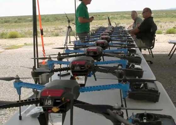 美国军方:消费级无人机    美国军方已经测试了消费级无人机,并认为其值得使用。美国军方已经购买了消费级无人机,在得克萨斯州布利斯堡和新墨西哥州白沙导弹试验场进行测试。