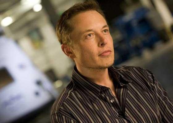 "AI预言家:特斯拉CEO埃隆·马斯克    在2014年举办的航空航空百年研讨会(AeroAstro Centennial Symposium)上,马斯克在接受媒体采访时,表达了他对AI、空间探索和火星移民的看法:""我认为我们应该警惕AI,如果有人问我人类目前最大的威胁是什么的话,我认为答案就是AI。我越来越觉得我们应该对AI采取一些国家级或世界级的监管措施,以免我们真得干出什么蠢事儿。"""
