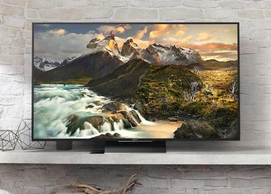 壁挂式电视机    是的,那些现在正挂着我们家里墙上的LCD、LED电视机也会消失。新式的镜面抛光显示屏(mirror-finished display)或将取代这些传统屏幕,事实上,现在市面上已经出现了一些搭载了这种新屏幕的产品,只是还未成为主流。