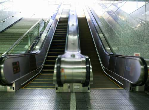 武汉:3号线7部电梯发现安全隐患
