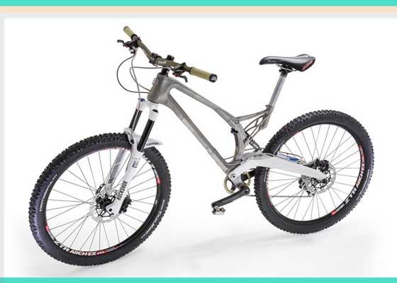 """钛合金自行车架    如果你认识某个对骑自行车充满激情的人,你肯定会理解他们对待自行车的心爱程度,设计、重量以及强度都非常关键。Empire Cycles主管克里斯·威廉姆斯(Chris Williams)在设计首个金属3D打印自行车架时,就将这些因素考虑其中。3D打印的钛合金自行车MX6-EVO就是利用Renishaw的添加制造技术制造的,它比原先的铝合金自行车架轻33%,但却更加坚固和耐腐蚀。此外,它还可以接受各种定制。Empire Cycles在其网站上写道:""""利用添加制造提供的设计自由是令人鼓舞的,可以持续对其进行改进和快速迭代。而灵活性又支持设计改进,从而方便量产。由于其零部件成本与体积和复杂性相关,为此通过3D打印某些复杂形状和超轻超强的零部件,可以尽可能降低制造成本。"""""""