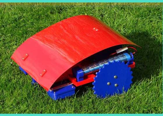机器人割草机    Reprap Windturbine的3D打印机器人割草机就像Roomba,它可以在边界铁丝网内移动。接近界限时,它就会停下,然后转向,继续清理草坪。你甚至可以自己打印这种割草机,但需要购买文件和施工手册,以打印底盘和机械部件,并制造电子元件和边界铁丝网。此外,你还需要购买金属刀片、电子设备、电池以及电动马达等。这种割草机需要2部12伏的电动马达驱动,需要220毫米直径的刀盘。动力来自12伏NiMH充电电池。与大多数3D打印的产品类似,这种割草机比商业机器人割草机便宜得多。如果你有时间和3D打印机,还有小草坪,你可以自己试验制造割草机。