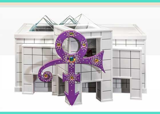 美国流行歌手Prince的骨灰盒:佩斯利公园(Paisley Park)复制品    佩斯利公园是美国流行歌手Prince位于明尼苏达州的住宅兼工作室,他在这里生活、创作、表演,并邀请过许多人来这里玩耍。将这里作为他的安息之地似乎也不错,当然只是这栋建筑的复制品。Prince的陶瓷骨灰盒由Foreverence设计,并按照佩斯利公园的缩小比例打印。它有35厘米高,长度超过45厘米,其白色外观代表着Prince的经典专辑《Love Symbol》,装饰有水晶。打开复制品的门,你可以看到里面有原建筑相同的中庭,包括瓷砖地板、装饰用的鸽子、迷你版的Prince雅马哈钢琴,甚至还有灯光。Prince的骨灰放在前面的柱子中,与整栋建筑外观完美结合。这个骨灰盒被放在佩斯利公园的前厅中,那里最近被改造为博物馆。