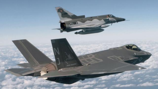 """美军招标最新战机更新假想敌""""红军""""装备"""