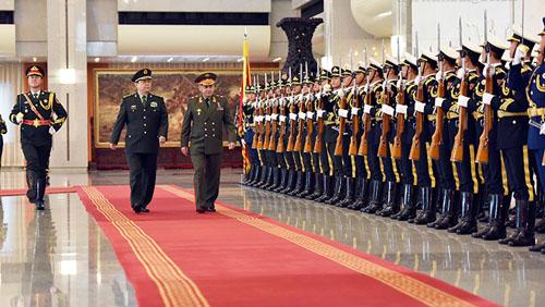 常万全与俄罗斯国防部长举行会谈