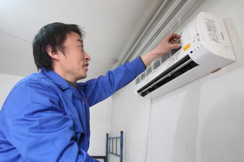 空调安装工薪酬超白领 但仍一工难求