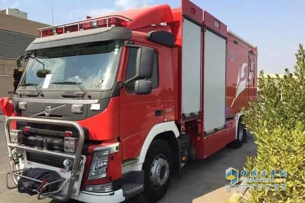 全新安普供气消防车科威特交付