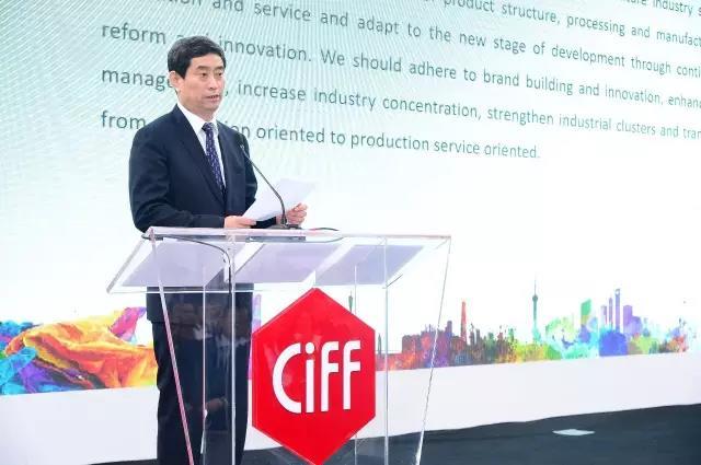 中国家具协会理事长、亚洲家具联合会会长朱长岭先生