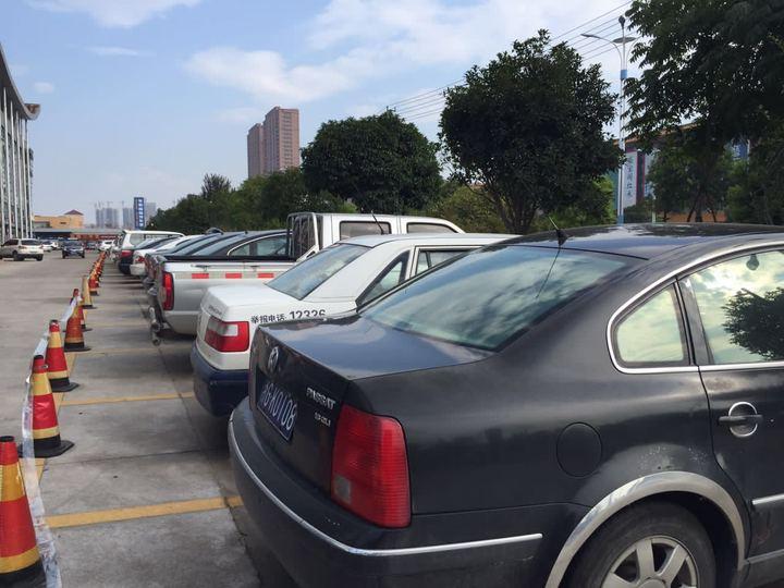 潍坊公车拍卖会63辆车全部成交