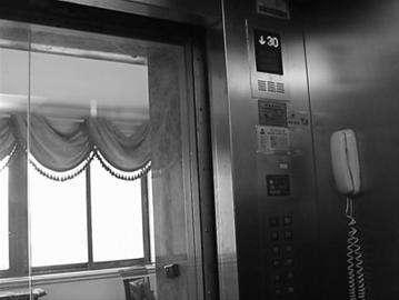 上海:小区电梯刷卡使用 按次计费引发争议