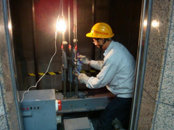 深圳:电梯公司专业人员不足被罚30万
