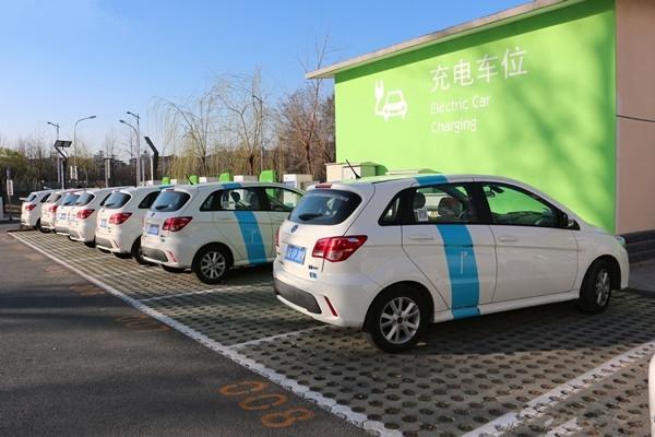 万钢谈新能源汽车发展三大挑战
