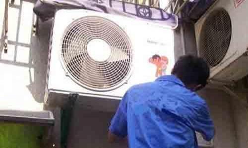 """上海:高温下 空调维修量""""井喷"""""""