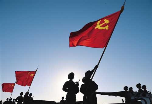 7月30日,庆祝中国人民解放军建军90周年阅兵在朱日和训练基地举行,受阅官兵整装待发。