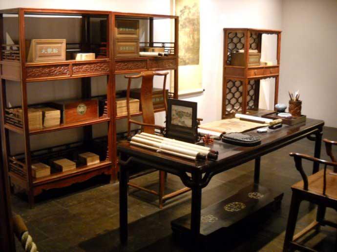 红木家具掀起对新中式家具内涵的热议
