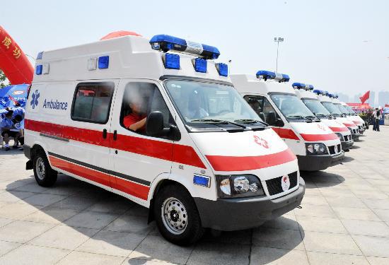救护车2.jpg