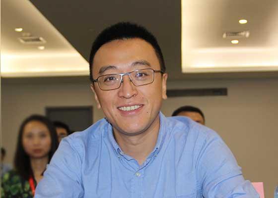 珠海励致洋行办公家私有限公司总经理李巍