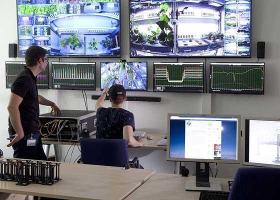 Eden-ISS农场项目的另外一个目标是打造一种系统,让GAC的宇航员未来能够在太空中收获食物。