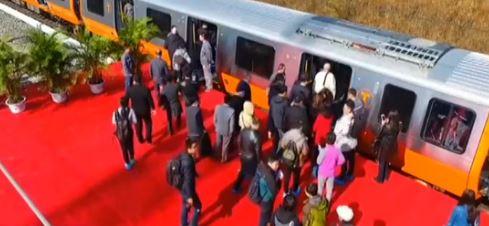 吉林:中国地铁出口美国 首批列车下线