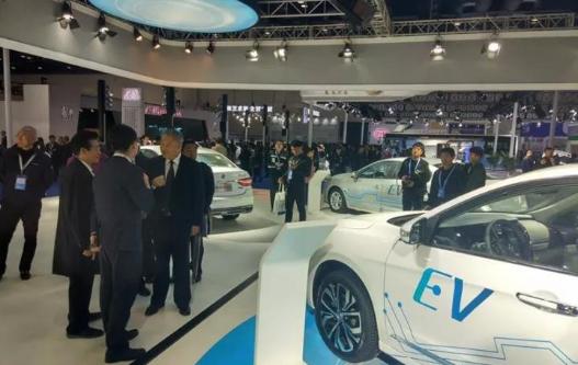 东风新能源车亮相节能与新能源汽车展