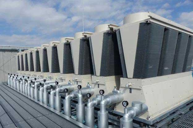 图11:KDDI数据中心模块化风冷冷水机组