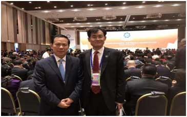 董事长王友林与东方航空董事长刘绍勇合影